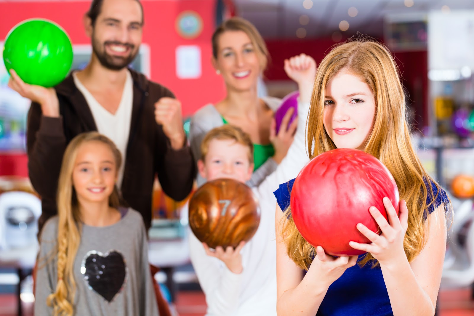 all-ages attractions | Family Bowling | Open Bowling | Open Play | Family Time | JB's on 41 | Milwaukee, WI