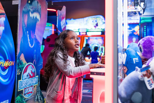 arcade and bowling daily deals | all-ages attractions | speed zone arcade | game room | milwaukee game room | milwaukee arcade | jb's on 41 | milwaukee fun center