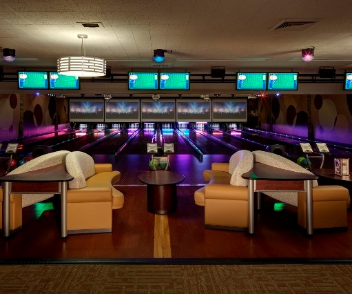 Suite 41 Luxury Lanes | JB's on 41 | Milwaukee WI
