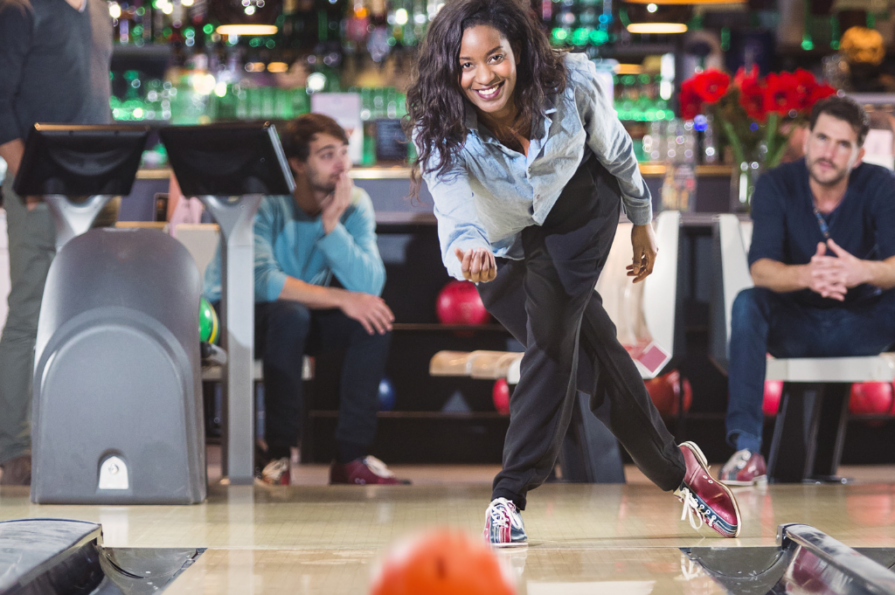 woman bowling | open bowling | casual bowling | jb's on 41 | milwaukee, wi